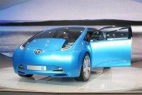 Новый Toyota Prius будет зависеть от солнца