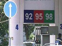 Ездить на плохом бензине россиянам еще долго