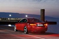 BMW хвалится обновкой 3-й серии 2010 года
