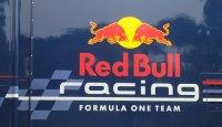 Red Bull Racing Себастьян Феттель показал лучшее время в ходе квалификации Гран-при Малайзии